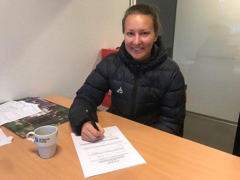 NY KONTRAKT: Cassandra har signert for minst ett til år i Larvik.