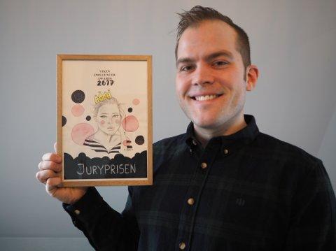LYKKELIG FYR: Peter Kihlman aka Pappahjerte fra Tjølling ble juryens favoritt under årets utdeling av VixenInfluencer Awards 2017.