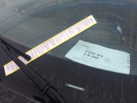 Det er utrolig å få en bot med begrunnelse at billetten ikke er synlig i ruta, når billetten er så svær!