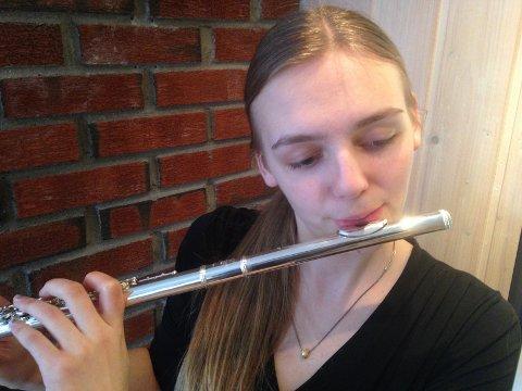 TALENTY: Eivor Engeset er et av Larviks unge musikalske talenter. Lørdag vil hun videre i musikkmesterskapet.