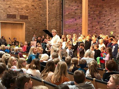 I Berg er det tradisjon for skolegudstjeneste før påske.