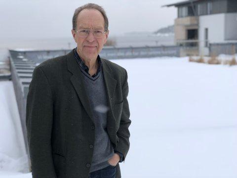 OPPTATT AV ETIKK: Jørn Bue Olsen fra Larvik har tidligere gitt ut etikkbok sammen med Henrik Syse. Nå har han skrevet en om samme tema alene.