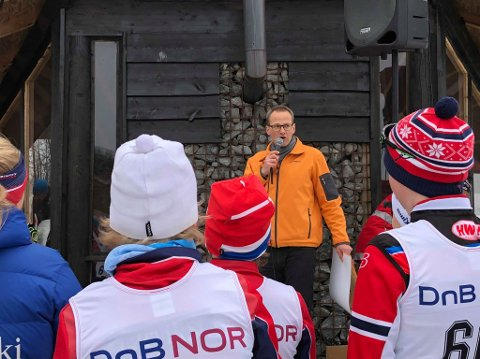 Valgt ut av 150 søkere: – Av 150 søkere, valgt vi ut Larvik Ski til å motta den største gaven, sier Jan Erling Kvisvik fra Larvikbanken.