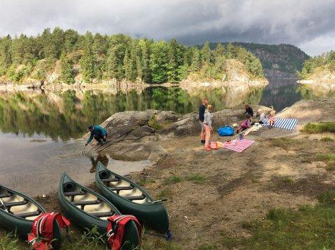 FARRIS: Det er flere muligheter for å låne eller leie kanoer i Larvik. Turistforenigen har 6 kanoer som ligger på Framnesodden.