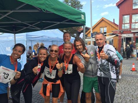 Gjentar de suksessen? I fjor vant denne gjengen mix-klassen under Vestfold maraton. Fra venstre Anette Eskedal Tveit, Nina Øritsland, Jørn Andersen, Birte Støvland Riksfjord, Audun Bakke og Arvid Hansen. Kjetil Sørum var og er også med på laget, men han var ikke på plass da bildet ble tatt etter seieren i fjor.