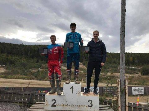 PÅ TOPPEN: Christopher Tveråen vant siste runde i norgescupen, mens Joakim Granli tok andreplassen og Lars Holmen ble nummer tre. Også i sammendraget var Tveråen sterkest.