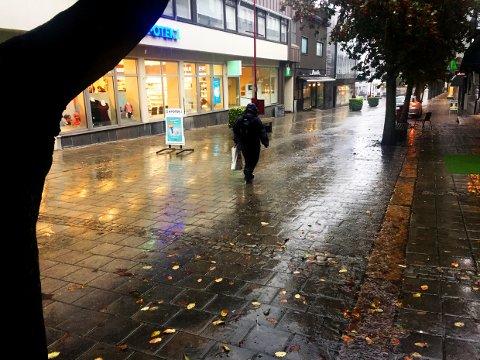 VÅTT: Forrige uke ble trolig årets våteste, og fra mai til oktober ar det regnet godt over normalen.