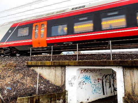TOGET: Hva skjer med toget gjennom Torstrand? Vil det forsvinne å gjøre bydelen enda mer attraktiv?