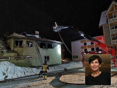 TETT PÅ: Scandic Valdres, hvor Stefanie Lohmann er direktør, ligger tett innpå bygget som natt til mandag begynte å brenne.