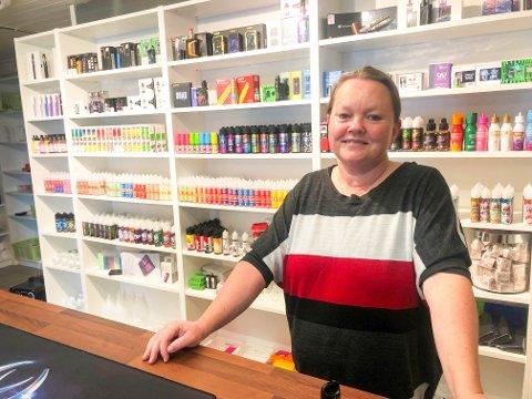 - SPENNENEDE: Live Eriksen synes det er både skummelt og spennenede og bli butikkeier. Hun har i hvert fall god tro på at det skal bli butikk av å drive butikk med dampvarer.