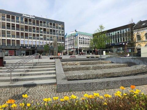 I løpet av torsdag er det igjen vann i fontenen ved Torget.