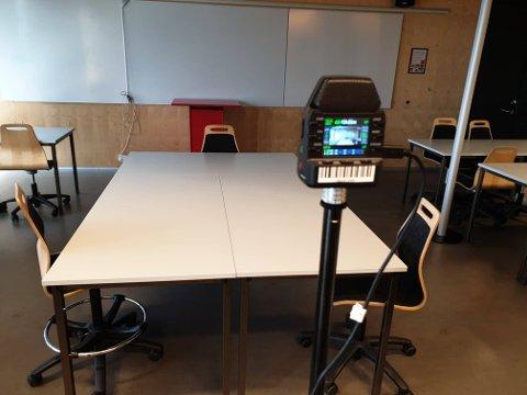 TRYKK RECORD: Elevene som tar muntlig eksamen ved Thor Heyerdahl videregående skole i år og neste år, kan velge om de ønsker å bli filmet. Da har de for første gang en god mulighet til å klage på sensors karaktersetting. (Foto: Ellen Marie Skjefstad)