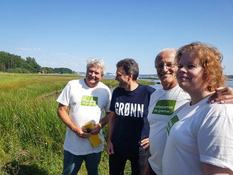 KLARE FOR VALGKAMP: Fra venstre Hallstein Bast, Arild Hermstad, Tormod Knutsen og Gry Aarnes i Miljøpartiet de Grønne. De har meninger om utbyggingen på Risøya og andre utbyggingssaker langs vestfoldkysten.