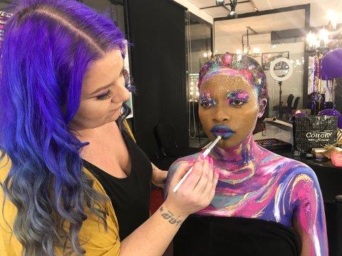 STORT ANSVAR: Siden oppstart i 2014 har nå Hilde Marie Johansen fra Langestrand fått ansvaret for de tre nye makeup-skolene til  Scandinavian Makeup Academy i India.