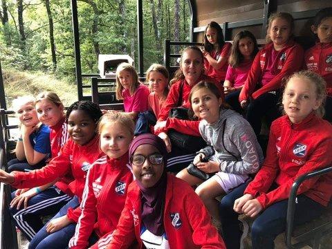 UT PÅ TUR: Fram J10 koste seg på turnering på Sørlandet i fjor, og nå arrangerer klubben vennskapsturnering for å sende flere på tur til sommeren.