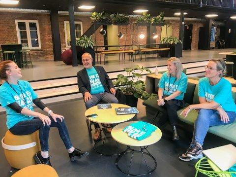 Torsdag var det kickoff for årets TV-aksjon i Larvik, og denne gjengen har store planer for årets innsamling, som blir litt annerledes. Fra venstre: Taryn Sumpton, Rune Høiseth, Sandra Lindberg og Vibeke Ravndal.