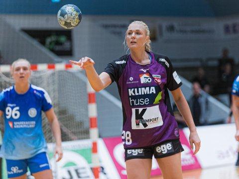 """Lever håndballdrømmen: Mie Sophie Sando trives godt på det """"norske"""" laget Herning-Ikast på Jylland. Der er hun blant annet lagvenninne med stavernsjenta Vilde Johansen."""