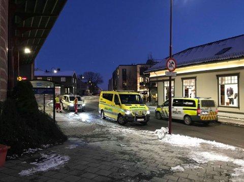 HÅNDGEMENG: Det ble meldt om et masseslagsmål i Larvik sentrum tidlig i februar i år. Nå er en av de involverte dømt etter hendelsen. (Arkivfoto)