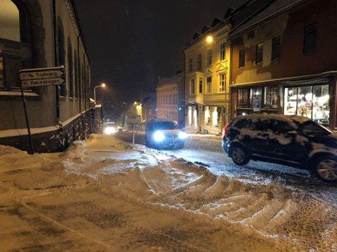 TIDDELIBOM! Dette bildet ble tatt i Larvik sentrum 11. november 2019. Men denne vinteren har snøen latt vente på seg.