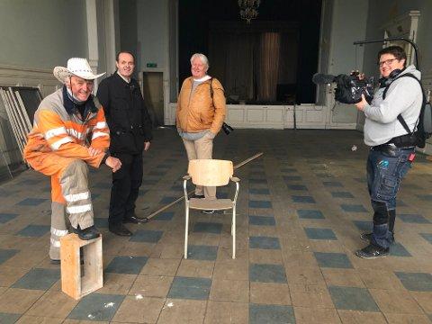 BYR PÅ UNDERHOLDNING: Thore Liverød (nr to fra venstre) har fått hjelp av Nils-Erik Kvamme, Terje Svendsen og David Blikstad Morris med konserten på torsdag den 19. november.