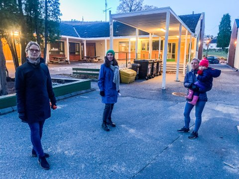 KJEMPER FOR SKOLEN SIN: SU-leder Maria Vandbakk-Ruthe, FAU-leder Liv Inger Vik og SU-nestleder Randi Selstad Winters har mange argumenter for bevaring av Langestrand skole.