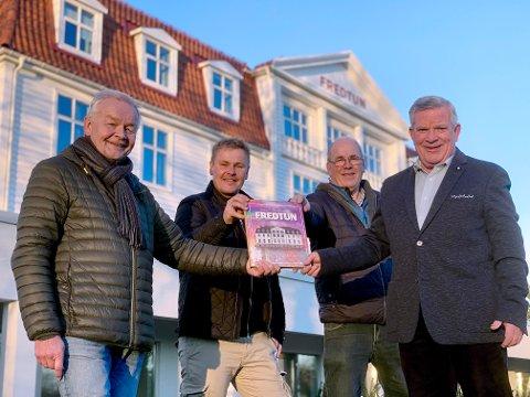 STOLTE UTGIVERE: Redaksjonskomiteen for Fredtun-boka ved fire av dem: Fra venstre: Johan Sandstad, Kjetil Sandvand, Svenn Helge Furfjord og Nils Melau.