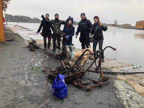 Denne gjengen var blant de som dro opp hundrevis av kilo søppel fra havbunnen i Stavern. Fra venstre: Paul Walsh, Martin Støland Hansen, Taryn Lynne Sumpton, Mikkel Melsom og Isabelle Aguilera.
