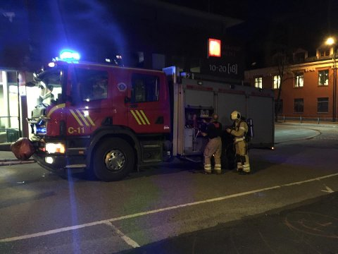 Brannvesenet rykket ut til Farmandstredet lørdag kveld.