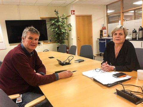 ENIGE: Både ordfører Erik Bringedal og kommunalsjef Guro Winsvold er enige med Statsforvalteren om at tiden for de svært strenge koronatiltakene bør utvides.