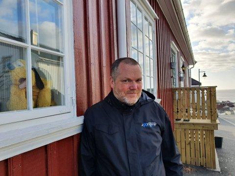 FIN AKTIVITET: Nicolai Imset (48) har satt i gang et prosjekt som kan gi barnefamilier en ny aktivitet i en hverdag med mye hjemmetid.