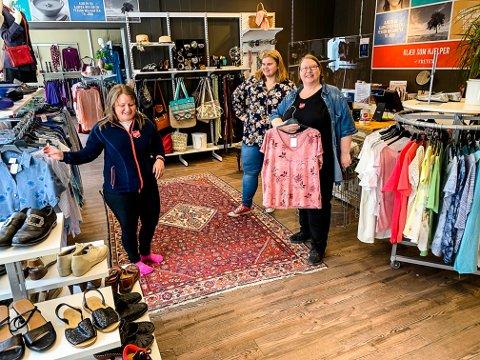 ÅPNER: Denne fredagen og lørdagen åpner Solfrid Margrethe Martinsen, Hilde Nylund og Marte Josefine Eidet Seland igjen butikken i Kongegata.