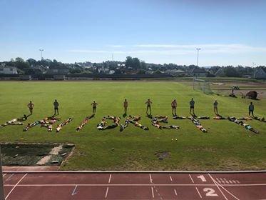 POPULÆRT: Mange barn hadde lyst til å få med seg Larvik Turns årlige friidrettsskole.
