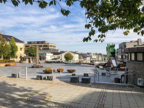 VARMT OG GODT: Mandag blir det varmt og godt i Larvik, men så skjer det noe.