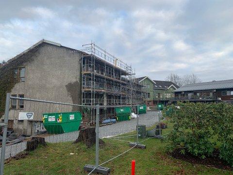 BYGGETRINN TO: Helge Klyve har i desember klargjort gamle Gloppe videregående skole for byggetrinn to av Gloppetunet.