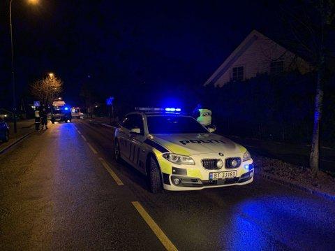 ETTERFORSKNING PÅGÅR: Politiet jobber fortsatt med vitneavhør og tekniske undersøkelser etter den tragiske trafikkulykken fredag.