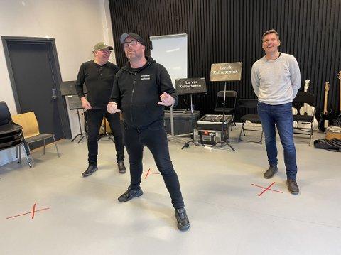 SPENTE: Fra venstre Bjørn Vidar Nilsen, styremedlem, Pål Borgersen, som er primus motor, og kultur- og idrettsjef Bård Jacobsen. De har store planer for en helt spesiell festival.