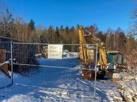 AVFALL? På denne eiendommen har kommunen, etter en befaring, konkludert med at grunneier må pålegges å rydde opp.