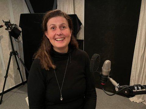 MÅ JOBBE AKTIVT: Høyres Rita Kilvær er klar på at vi må jobbe for å hente fram kjente kvinner som kan gi navn til gater og plasser i Larvik. Her fra podkastintervjuet som sendes på fredag her på op.no.