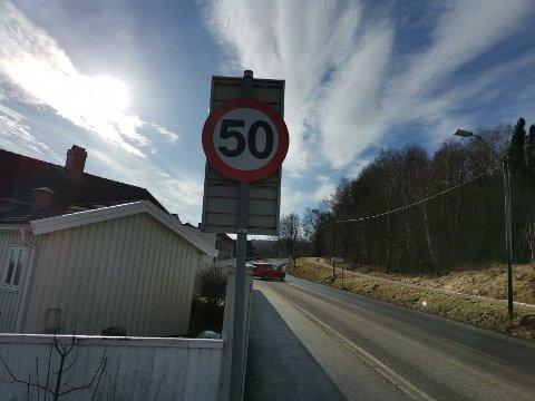 NY GRENSE: Onsdag ble farta i deler av Veldrebakken satt ned fra 60 til 50 kilometer i timen.