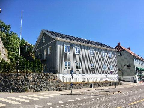 STORGATA 23: 7,6 millioner kroner måtte det Larvik-baserte selskapet ut med for å sikre seg denne eiendommen.