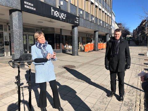 STRENGE TILTAK: Kommunalsjef Guro Winsvold og ordfører Erik Bringedal har tro på at nye strenge tiltak mot koronasmitte skal bidra til å slå ned pandemien.
