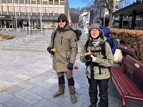 TRENINGSTUR FØR ISLAND-TUR: Lene Solvang (29) og Øystein Thorin Kirkvold (32) har brukt tre dager i skoger i Larvik, blant annet for å trene mot en kommende tur til Island.
