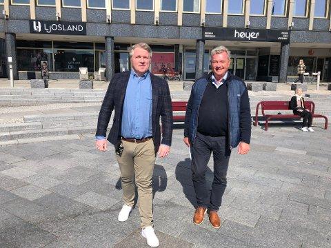 FRYKTER FOR NÆRINGSLIVET: Både næringsrådgiver Jørgen Johansen, til venstre, og leder for næringsforeningen i Larvik, Tore Hansen, sier næringslivet i Larvik vil lide dersom det fortsatt blir båndlegging av områder slik det er i dag.