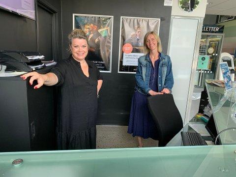 EDNELIG: Markedssjef Linn Ambjørnsen og kinosjef Anne Marte Espeseth har mye å by på når Bølgen nå åpner.