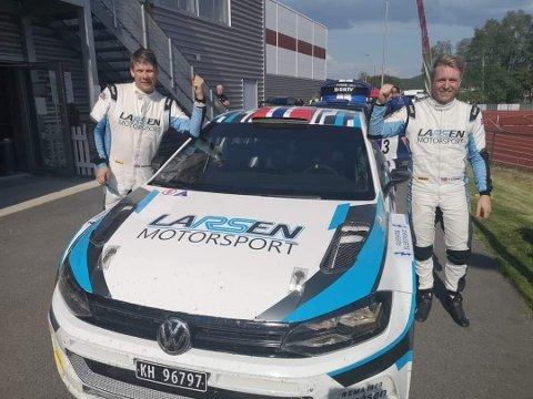 VANT: Morten Erik Abrahamsen (t.v.) leste Frank Tore Larsen inn til seier i helgens NM-rally.