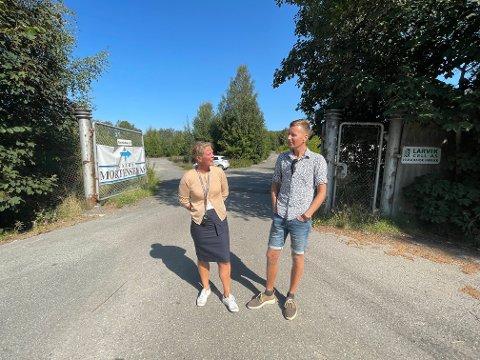 SAMARBEIDER: Politikerne har gitt grønt lys for at Fritzøe eiendom og Larvik kommune kan samarbeide om utviklingen av Bergeløkka. Her representert ved markedssjef Linda Brathagen og arealplanlegger Ole Sannes Riiser.