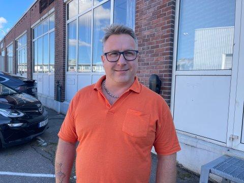 EIER: Geir Morten Stenhaug kjøpte bedriften for seks år siden.  - Jeg har lært mye og trives godt med dette i dag, sier han.