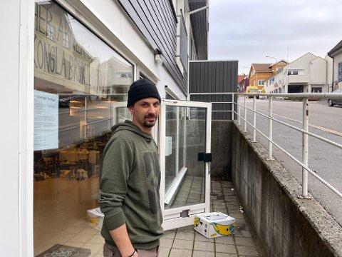 HORTENSMANN: Dagfinn Kjennerud fra Horten, åpner butikk i Larvik. – Jeg er ikke så kjent i byen, så jeg aner ikke om det er en fin plassering, sier han.