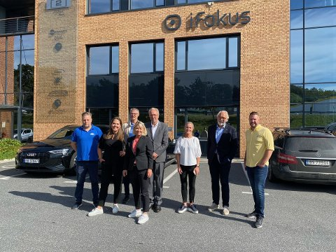 Fra venstre: Kjetil Vold (H), Lene Camilla Westgaard-Halle (H), Helge Vågen (KrF), Monica Mæland (H), Bjørn Krogsrud (Kriminalomsorgen), Oona Egge Hølen (Sammen for livet), Carl-Erik Grimstad (V) og Tobias Hofsøy (Sammen for livet).
