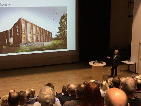 TRAKK HISTORIEN: Direktør i Norsk helsearkiv, Tom Kolvig, fortalte historien om helsearkivet som nå etableres på Tynset.